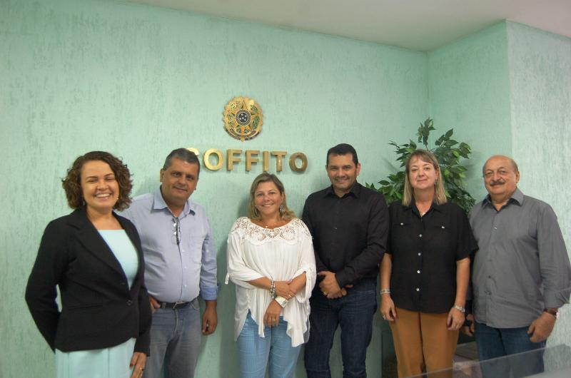Dra. Carla Adriane Pires, do CREFITO 8, Dr. Fernando Muniz, Presidente do CREFITO 16, Dr. José Wagner Cavalcante ao lado da Dra. Lilian Rose, ambos do CREFITO 12, Dr. Marcelino Martins, do CREFITO 14 e Dra. Rita de Cássia, do CREFITO 10.