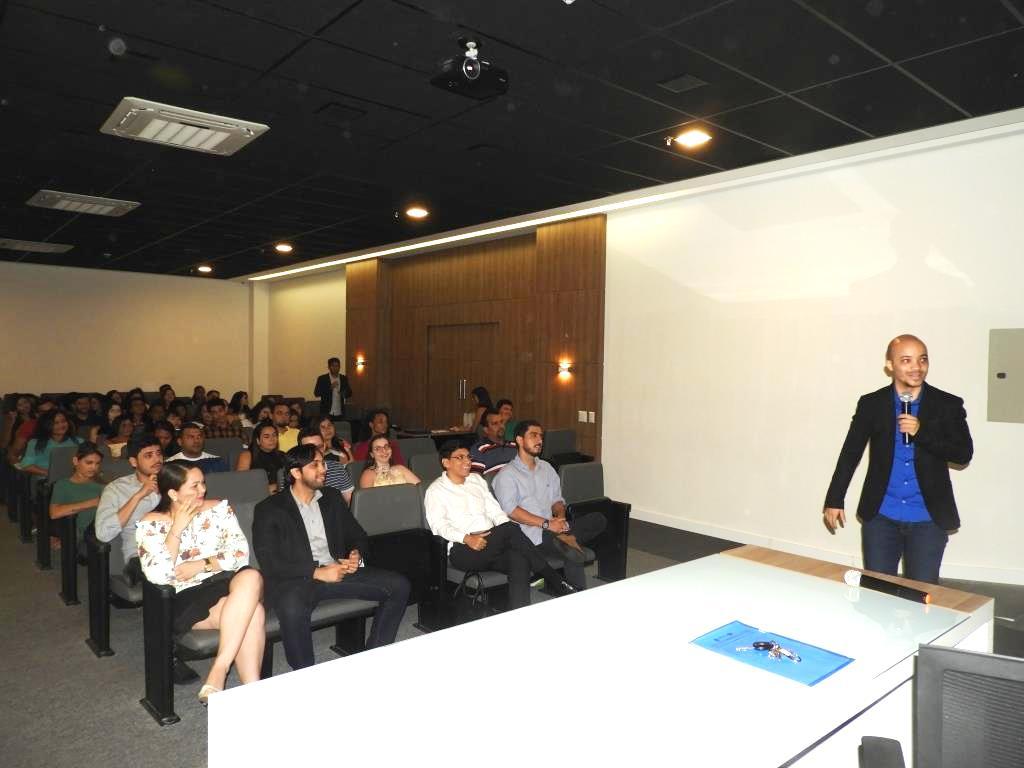 Dr. Márcio Magalhães palestrou sobre dor crônica.