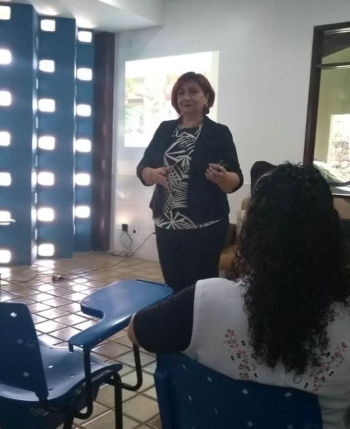 Dra. Márcia Rodrigues.