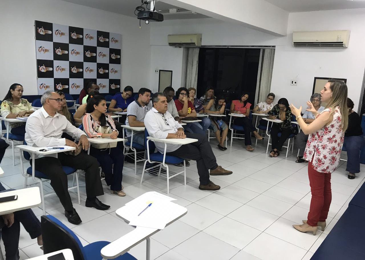 Diretora-secretária do CREFITO-16, Dra. Letícia Padilha, falando sobre o planejamento para o ano de 2019.